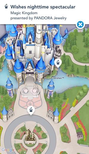 apesar do show estar marcado em frente ao castelo, tenta ver de um lugar mais distante pra você conseguir enxergar os fogos, que saem de trás do castelo!