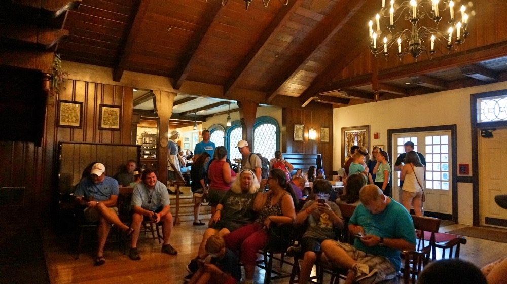 Área de espera do Liberty Tree Tavern