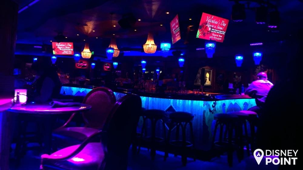 Um dos 9 (!!!) bares do Mango's Tropical Cafe