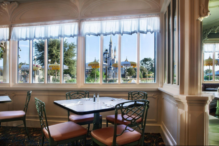 Disney Point The Plaza Restaurant Magic Kingdom Castelo