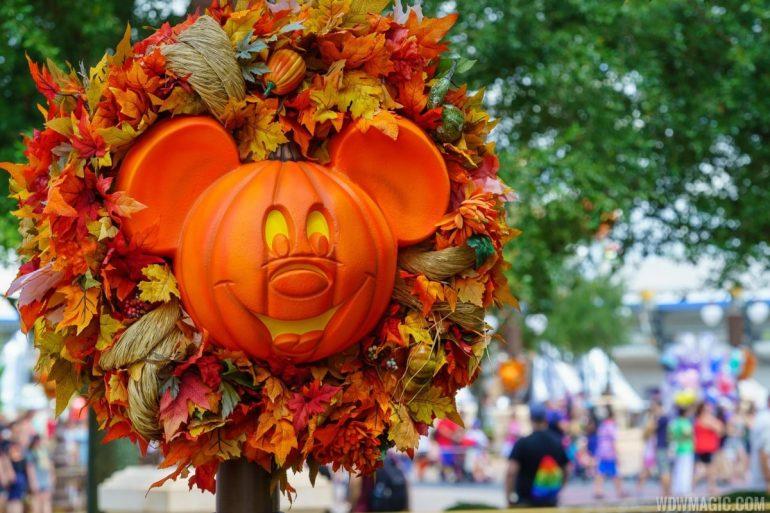 Disney Point Mickey's Not So Scary Halloween Party MNSSHP Disney-min