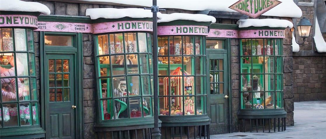 CAPÍTULO TRÊS - A profecia das Treze Cartas Disney-Point-Universal-Studios-Florida-Harry-Potter-DedosdeMel-min